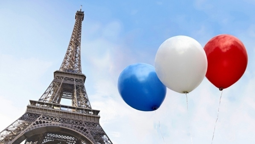 Imagen torre eiffel con globos