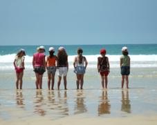 Imagen niños en la playa